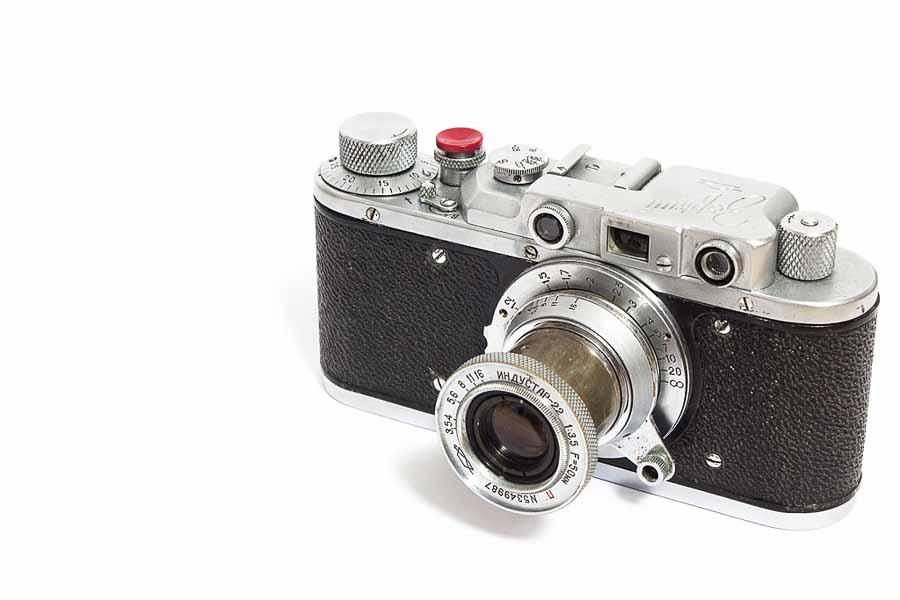 acheter ou vendre un argentique au bon prix. Ici le zorki 1 copie du Leica 2